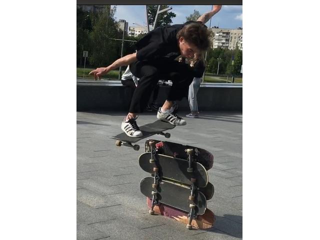 Молодой симпатичный парень ищет девушку спонсора - 3/3