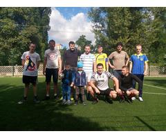 Ищем ВСЕХ желающих поиграть в футбол в Киеве (Дарницкая площадь)
